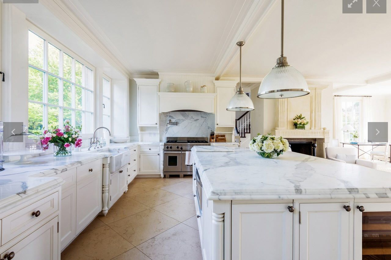 Inside Ultra Luxury Kitchens Trends Among Wealthy Buyers Who Rarely Cook Luxury Kitchens Beautiful Kitchen Designs Hamptons Kitchen