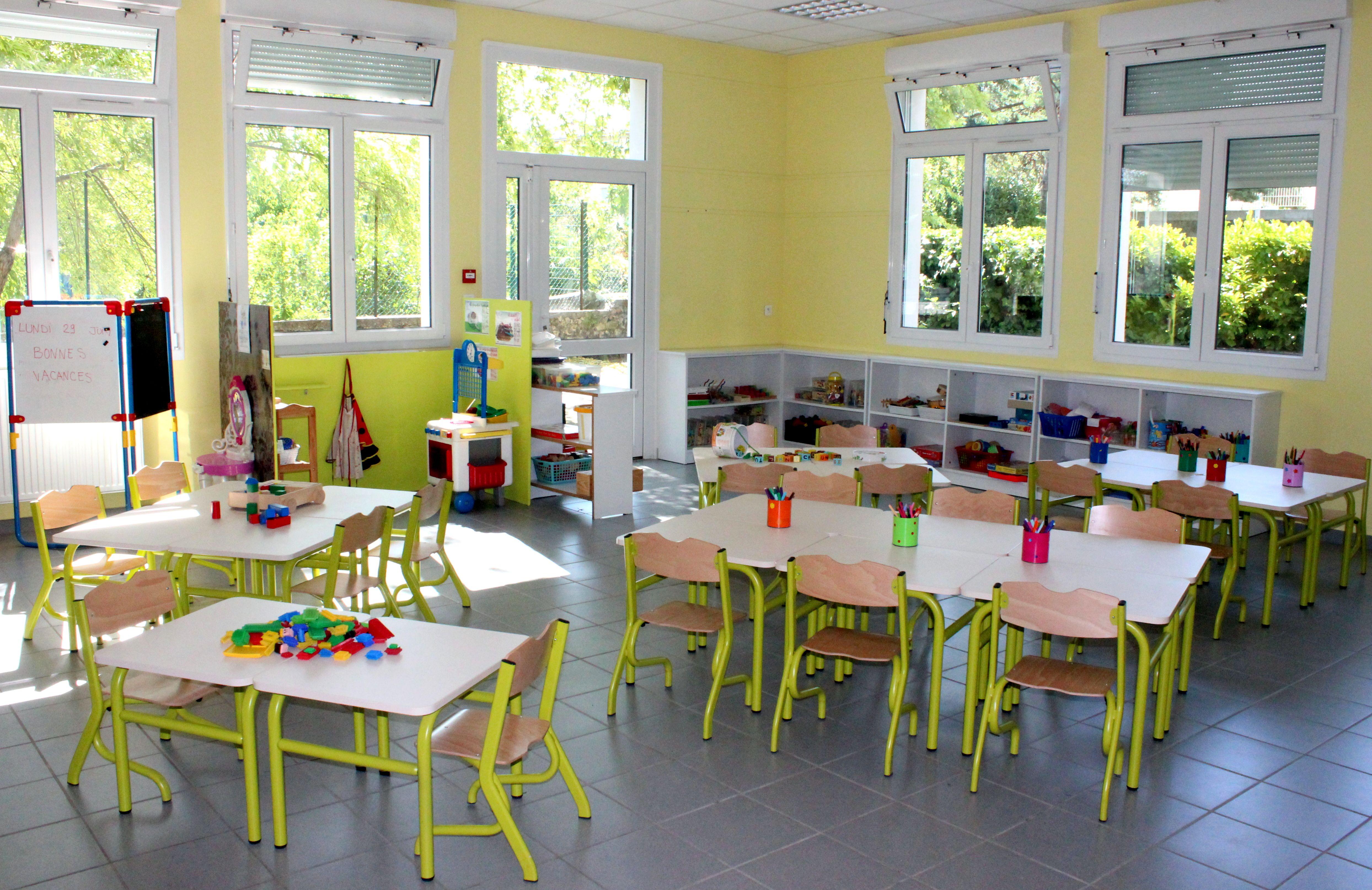 Ambiance Classe Maternelle Abcd Salle Chaises Tim De Tables v80nNmw