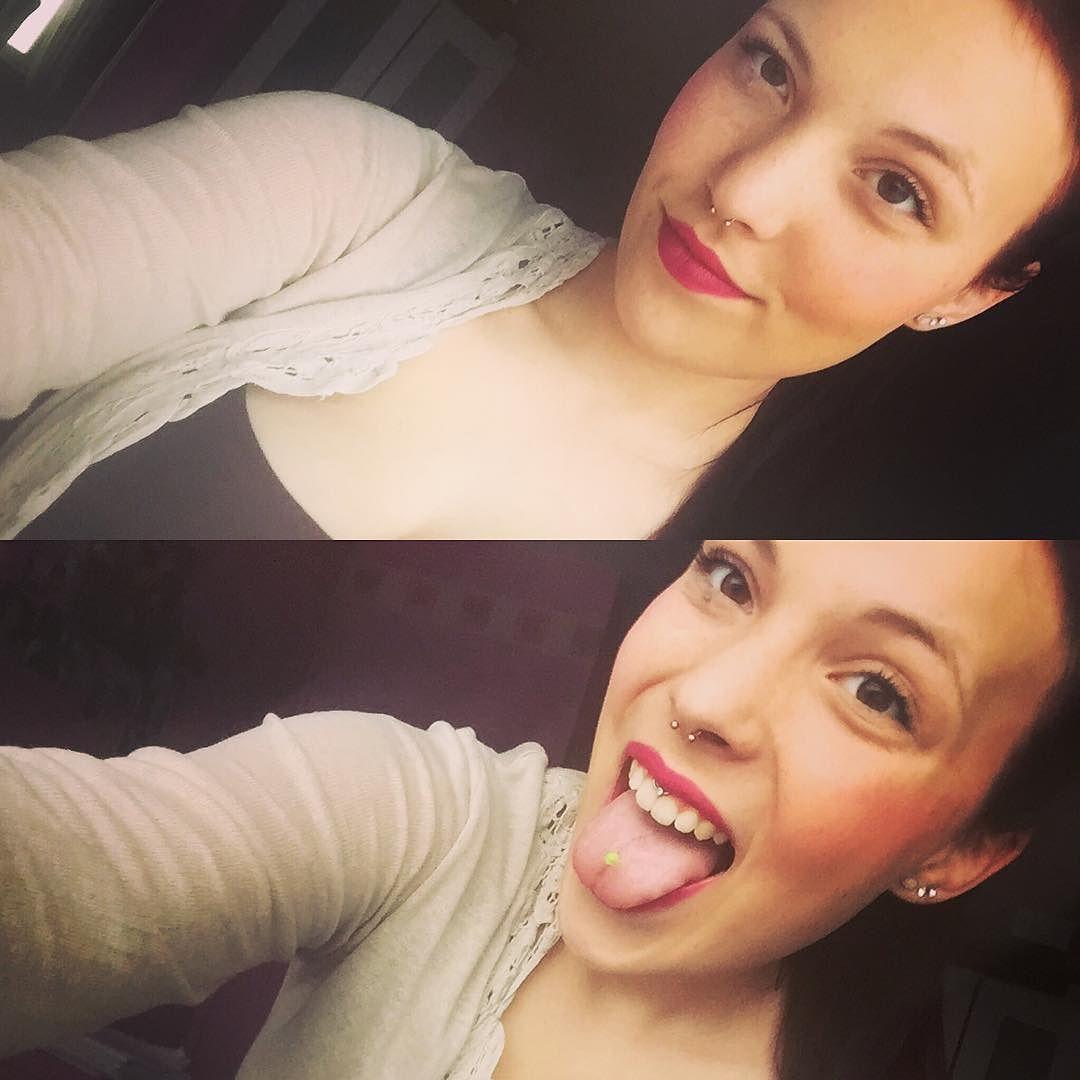 By celinedhe:  #pierced #tatted #toungeout #smile #toungepiercing #lipbandpiercing #septum #gabber #missk8 #angerfist #shuffle #hardcore #hannover #techno #190316 #geburtstag #roadhousefestival #pappenheimer #kerstineden #akaaka #druffi #stampfen #abgehen  #nurse #altenpflege #goanaut #rave #hakken #derbassmussficken #gabber #gabermadness