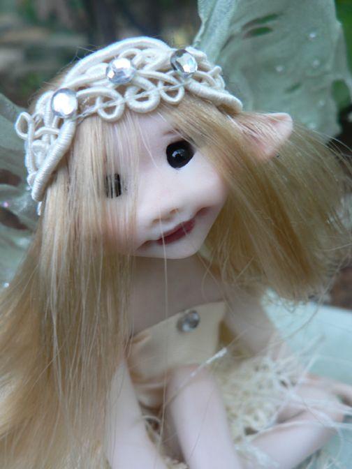 Un jardin féérique -- #fairy #house - Hope, a spring Faery - By Liz Amend