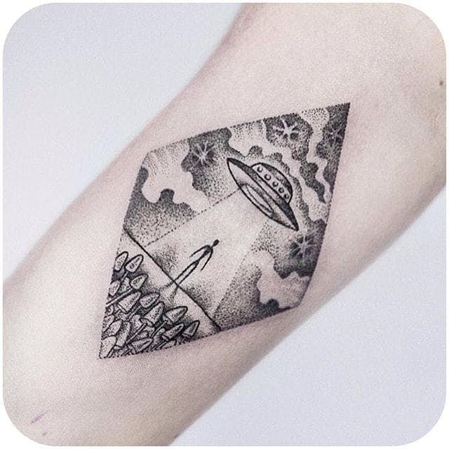 Fun alien spaceship dotwork tattoo by uls metzger dogma for Independent tattoo lincoln ne