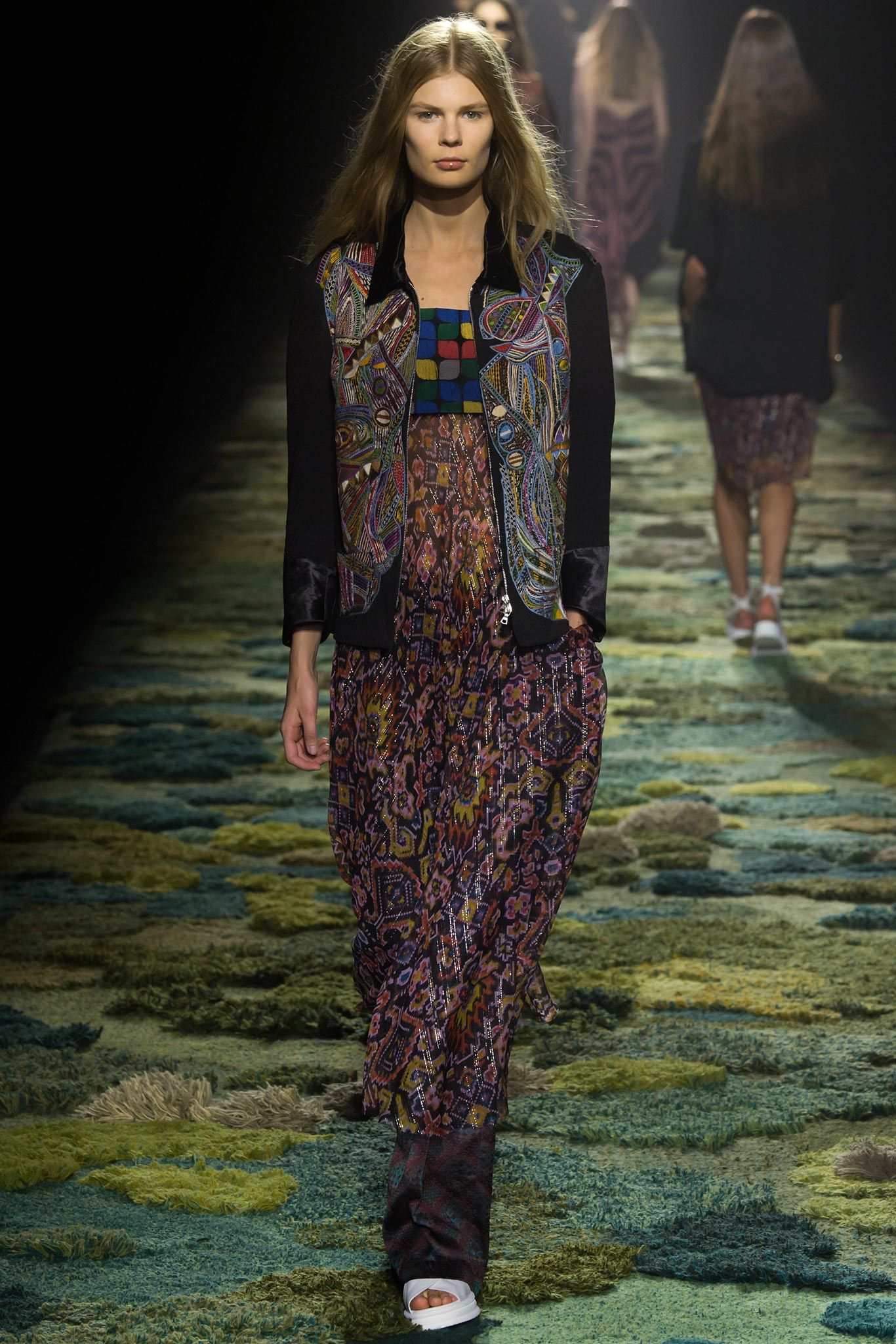 Dries Van Noten Spring 2015 Ready-to-Wear Fashion Show - Alexandra Elizabeth (Elite)