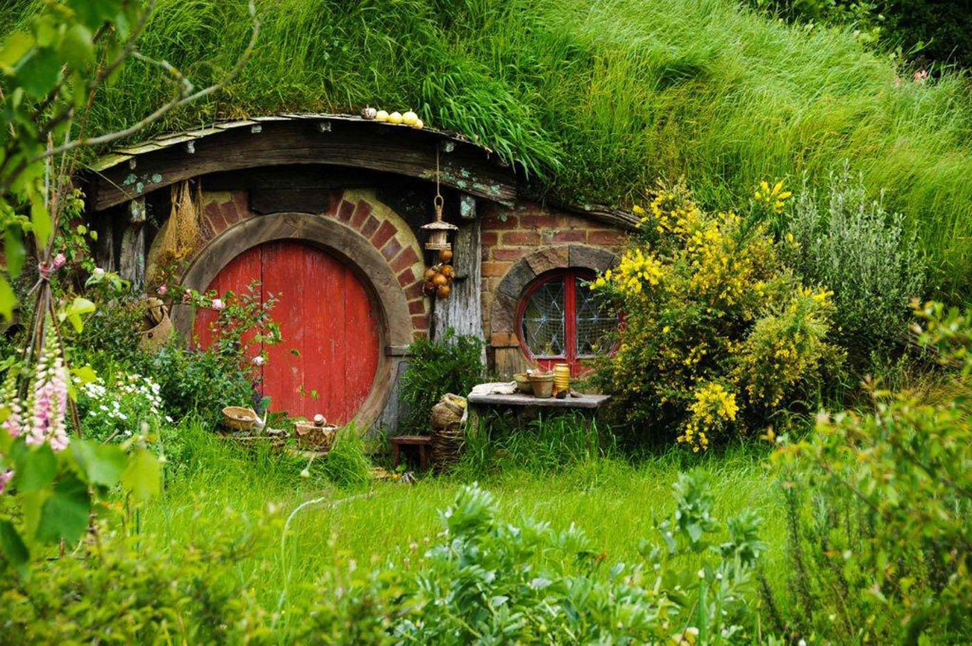 Hobbit Homes crystal's exclusive dinner at the hobbiton movie set in new