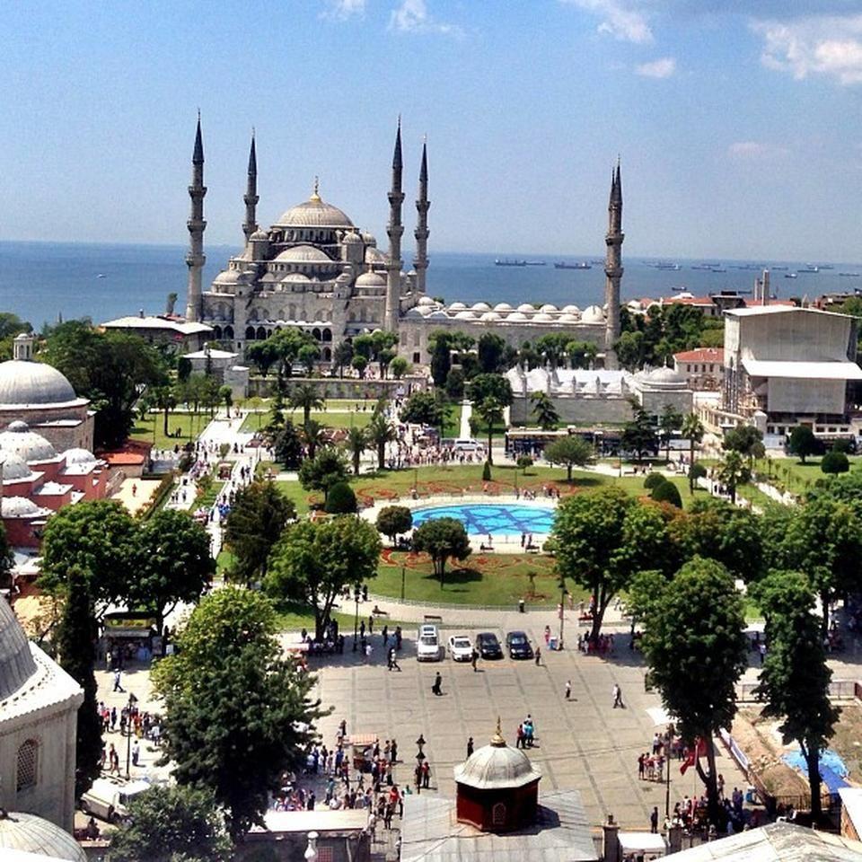 Sultanahmet Square or Hippodrome Istanbul Sultanahmet ...