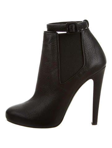 buy cheap newest cheap price Vera Wang Rounded-Toe Leather Boots tq8iJB3NIr