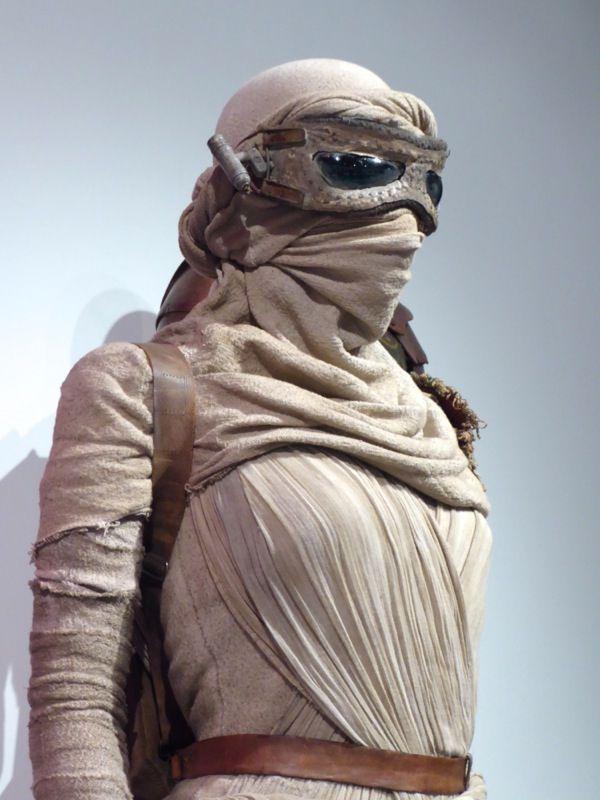 Star Wars The Force Awakens Rey Headdress And Mask Detail Rey Star Wars Costume Star Wars
