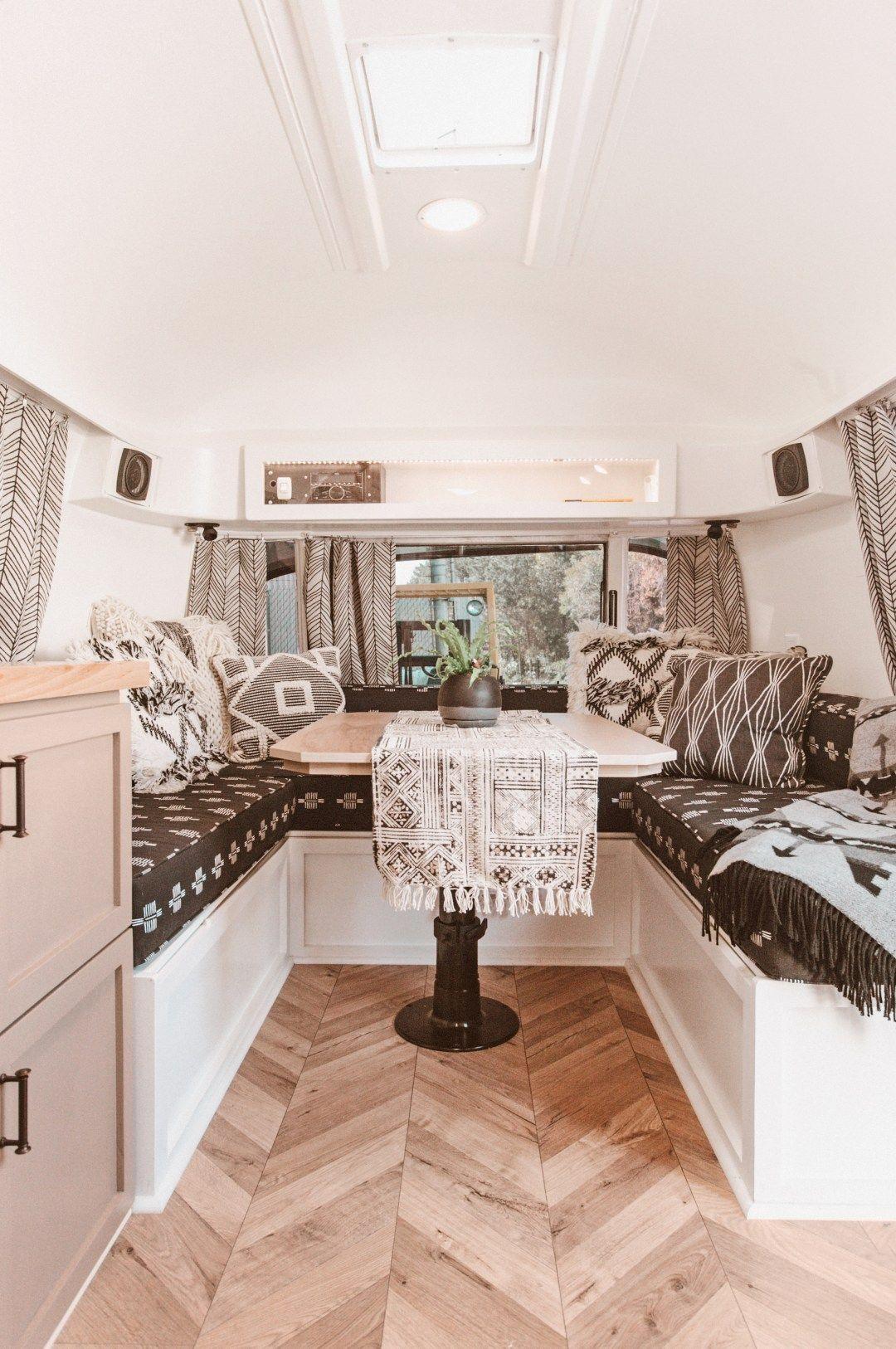 Thelma Project Caravane Van Amenage Airstream