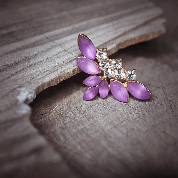 Add a splash of Purple with this Sparkle Brooch  #craft365.com