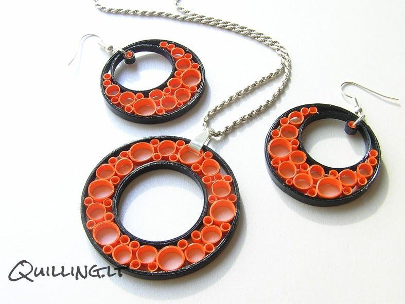 Quilled circle earrings