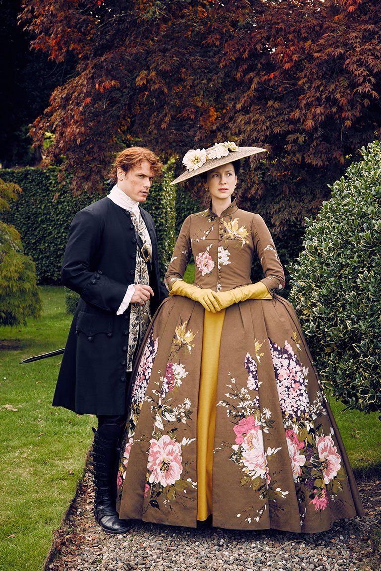 New Stills Of The Outlander Cast From Season 2 Outlander Claire Outlander Jamie Outlander Tv