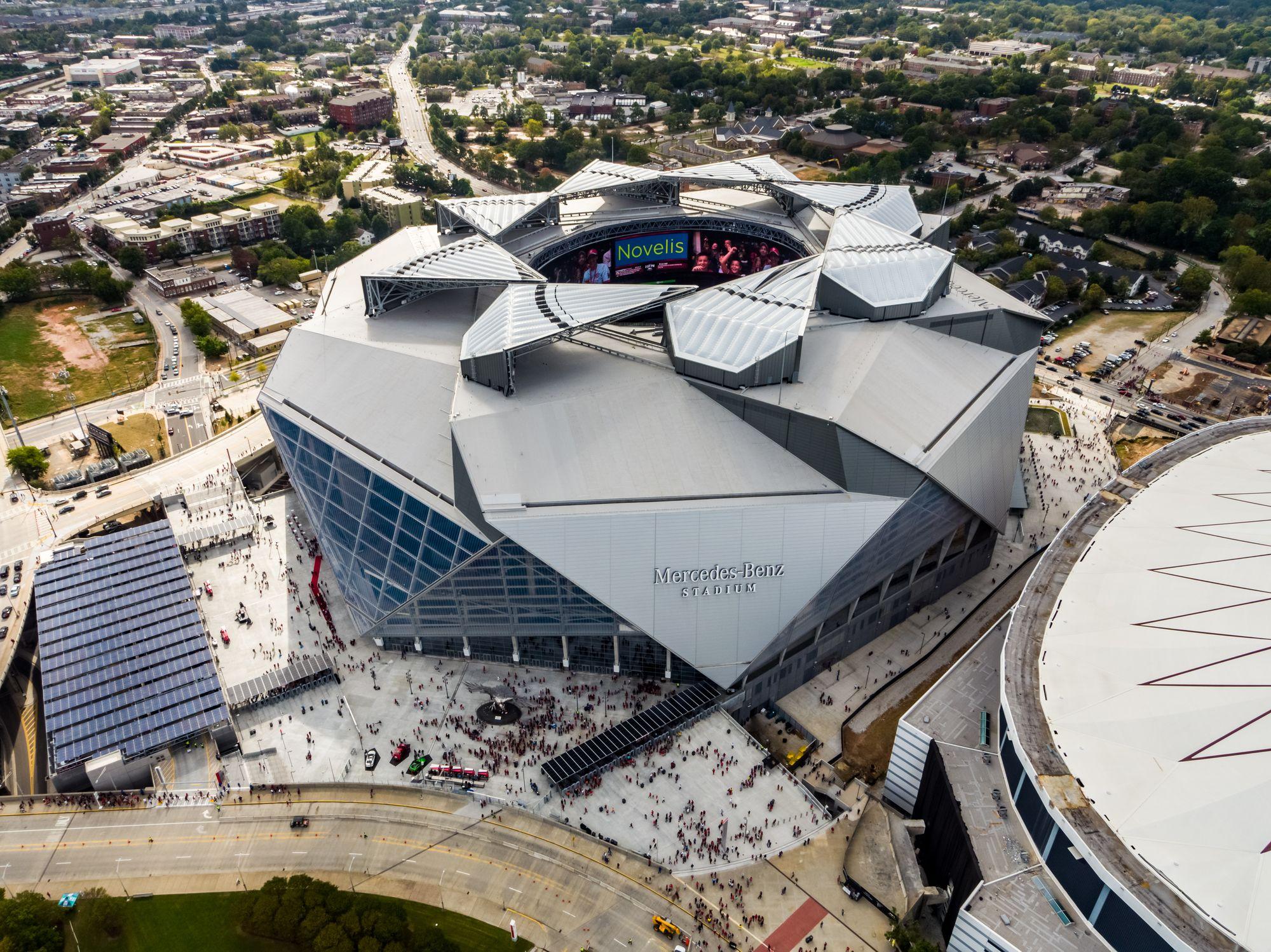 Equipe Do Atlanta Falcons Tem O Primeiro Estadio Dos Eua A Receber A Certificacao Leed Platinum World Architecture Festival Mercedes Benz Benz