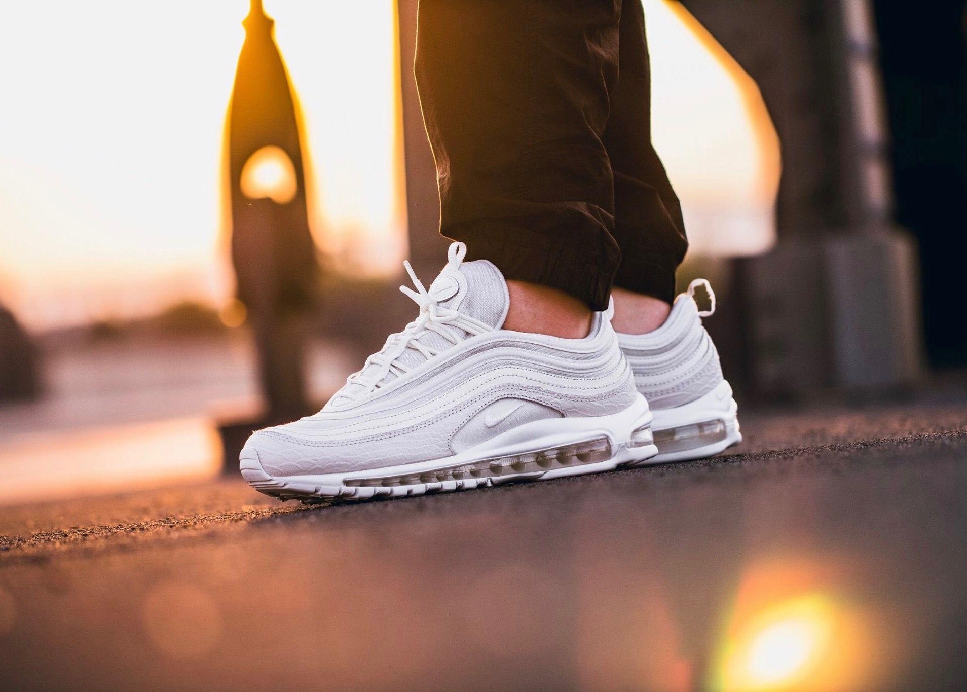 Nike Air Max 97 | Look, Sneakers, Capa de facebook tumblr