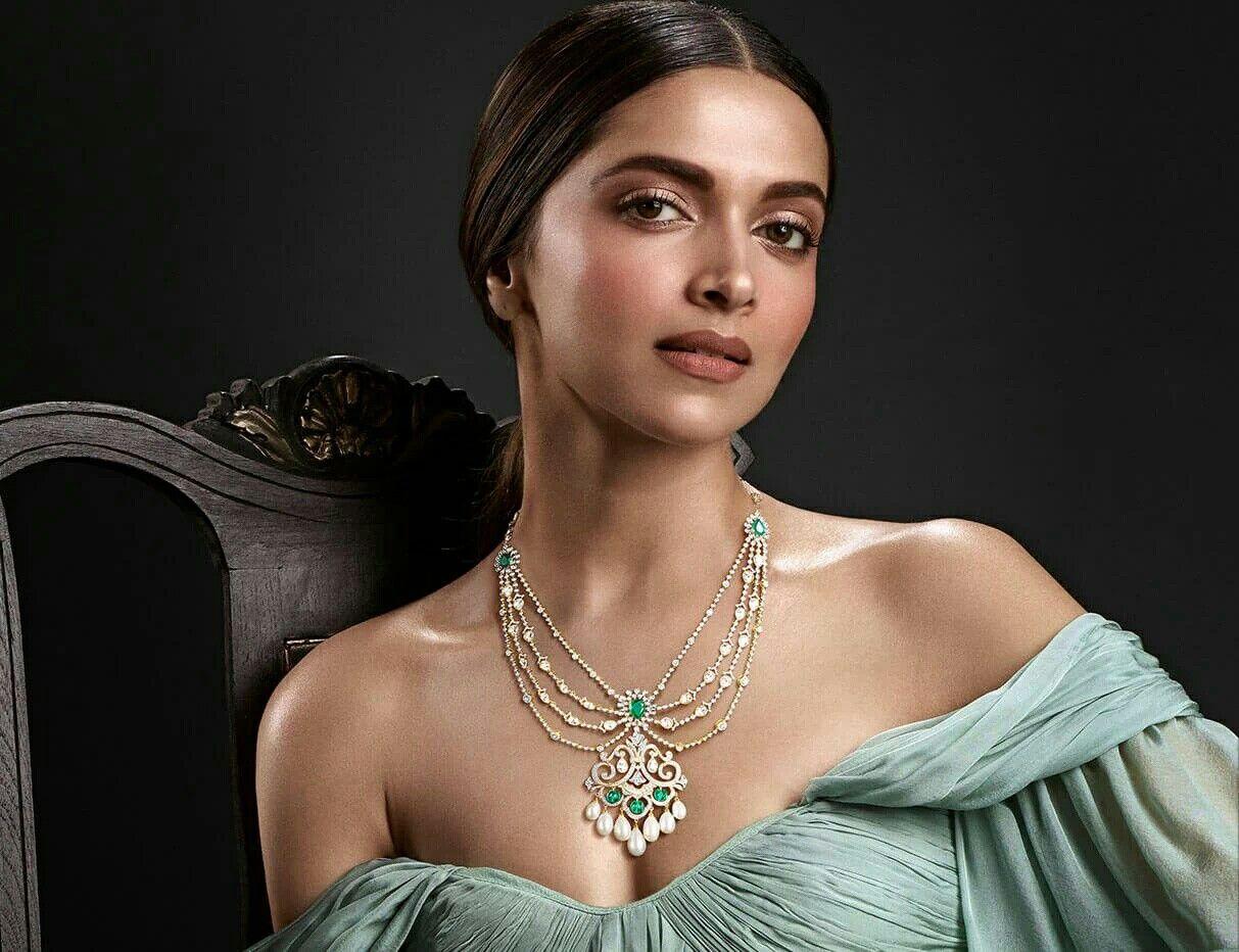 Deepika Padukone For Tanishq S Jewels Of Royalty Collection Tanishq Jewellery Bridal Diamond Jewellery Semi Precious Jewelry