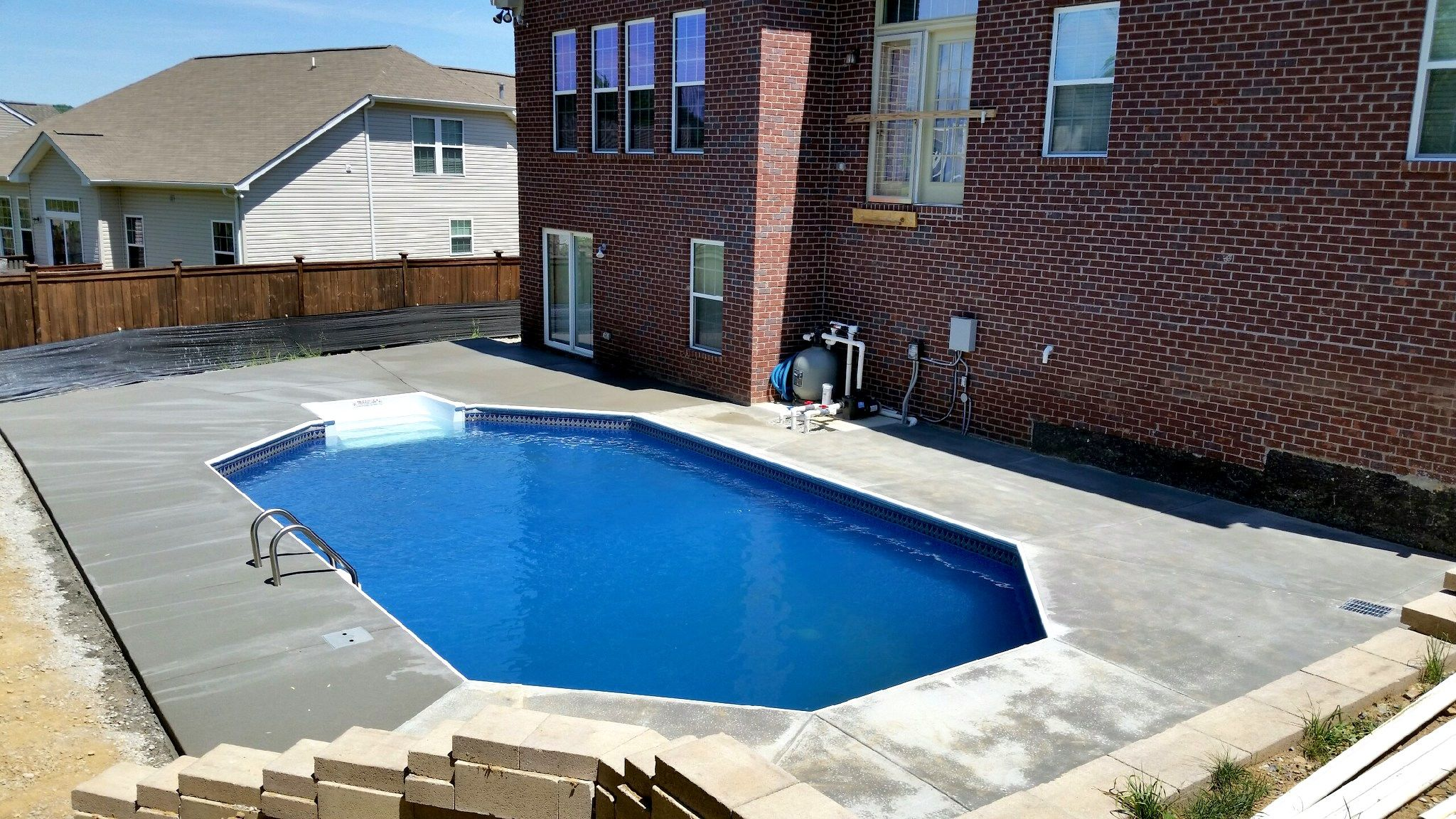 Pool And Spa Depot 17 X 31 Grecian Steel Wall White Aluminum Coping Broom Finished Concrete Decking