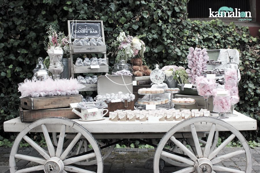 Mesa de dulces candy bar postres for Carretas de madera para jardin