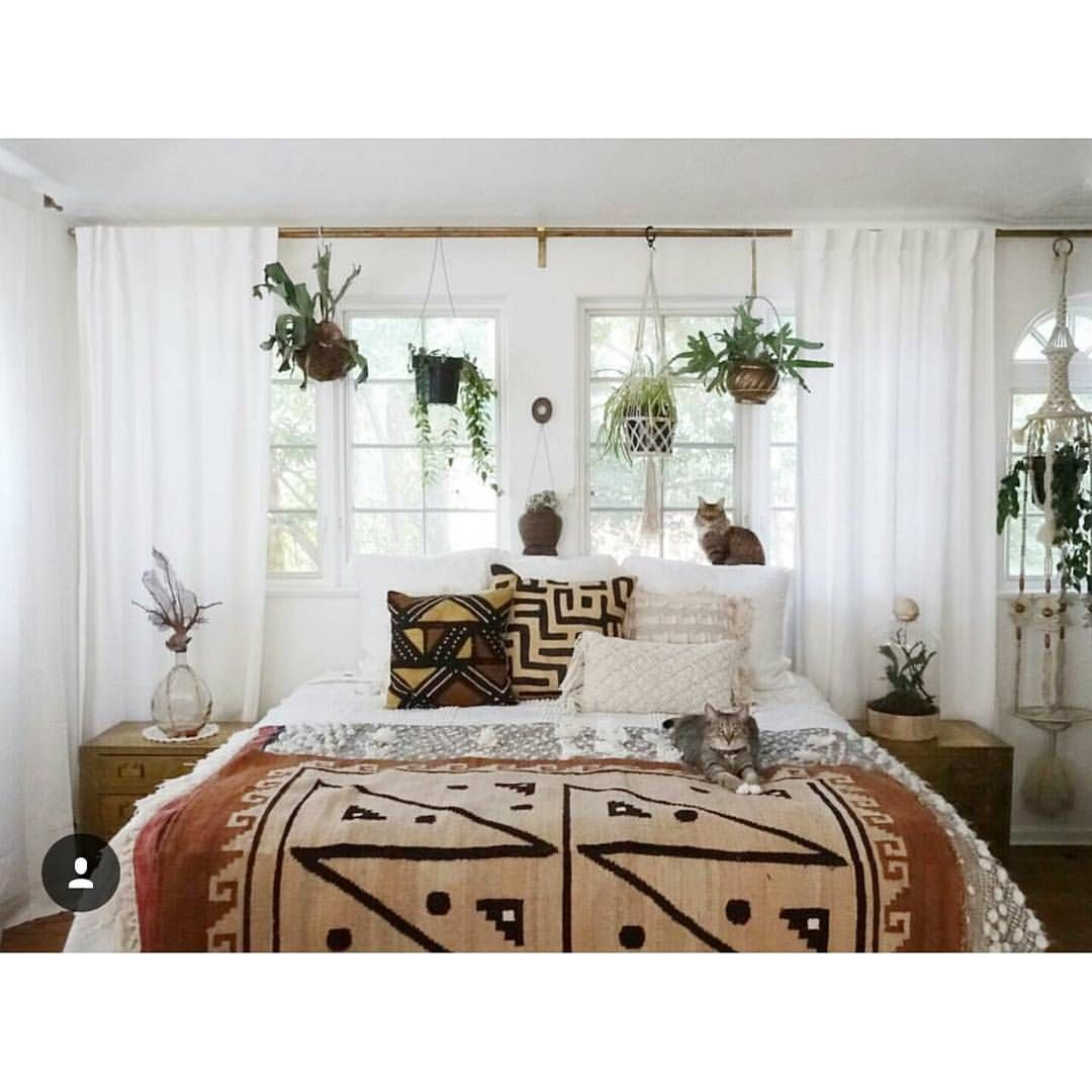 Hanging plants above the bed in the window   Home, Interior design ...