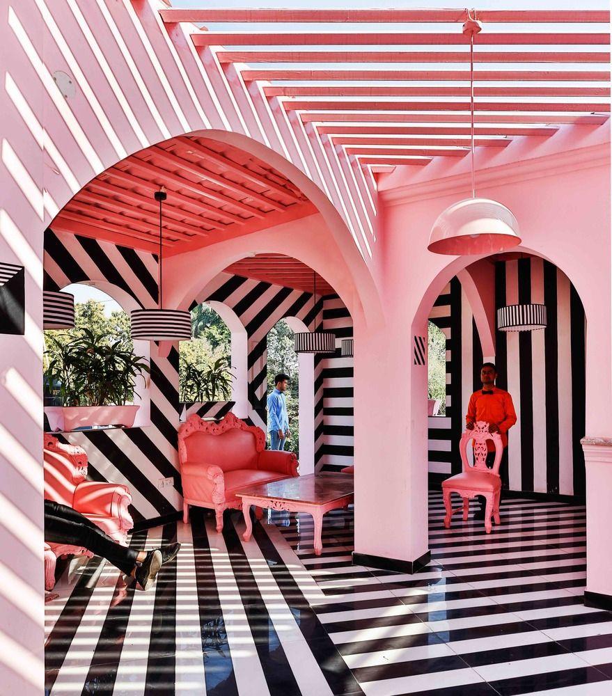 Gallery of The Pink Zebra  / Renesa Architecture Design Interiors Studio  - 25