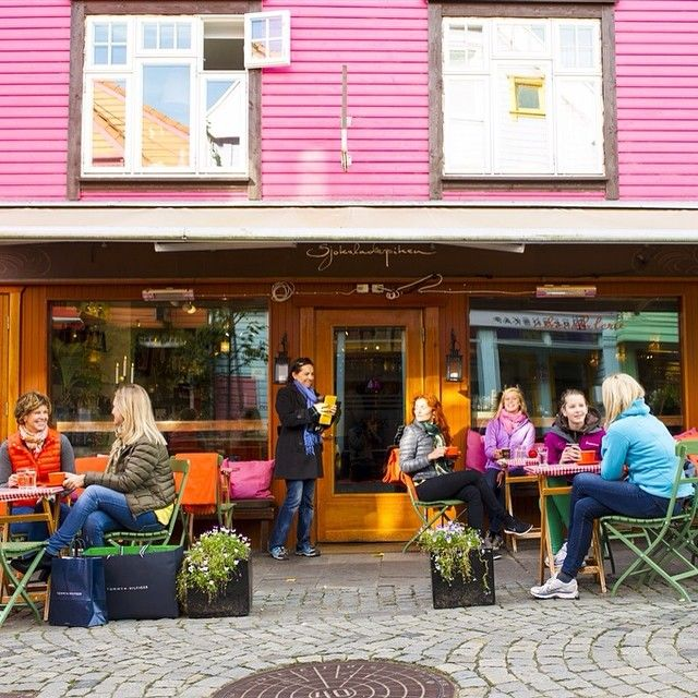 Øvre Holmegate, great place for shopping and for some handmade chocolate pralines! #fargegaten #regionstavanger