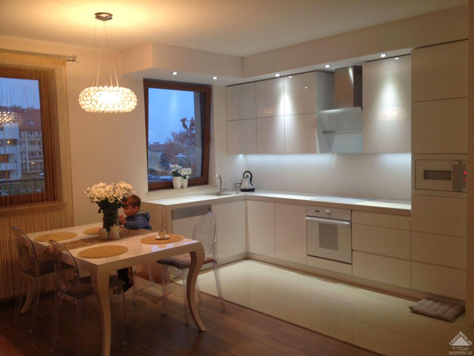 Nowoczesna Kuchnia W Bloku Szukaj W Google House Home Decor Corner Bathtub