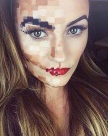 Easy DIY Halloween Makeup Pixelated Face Makeup Look This would make such a cheap and easy costume #makeupdiy #diymakeup