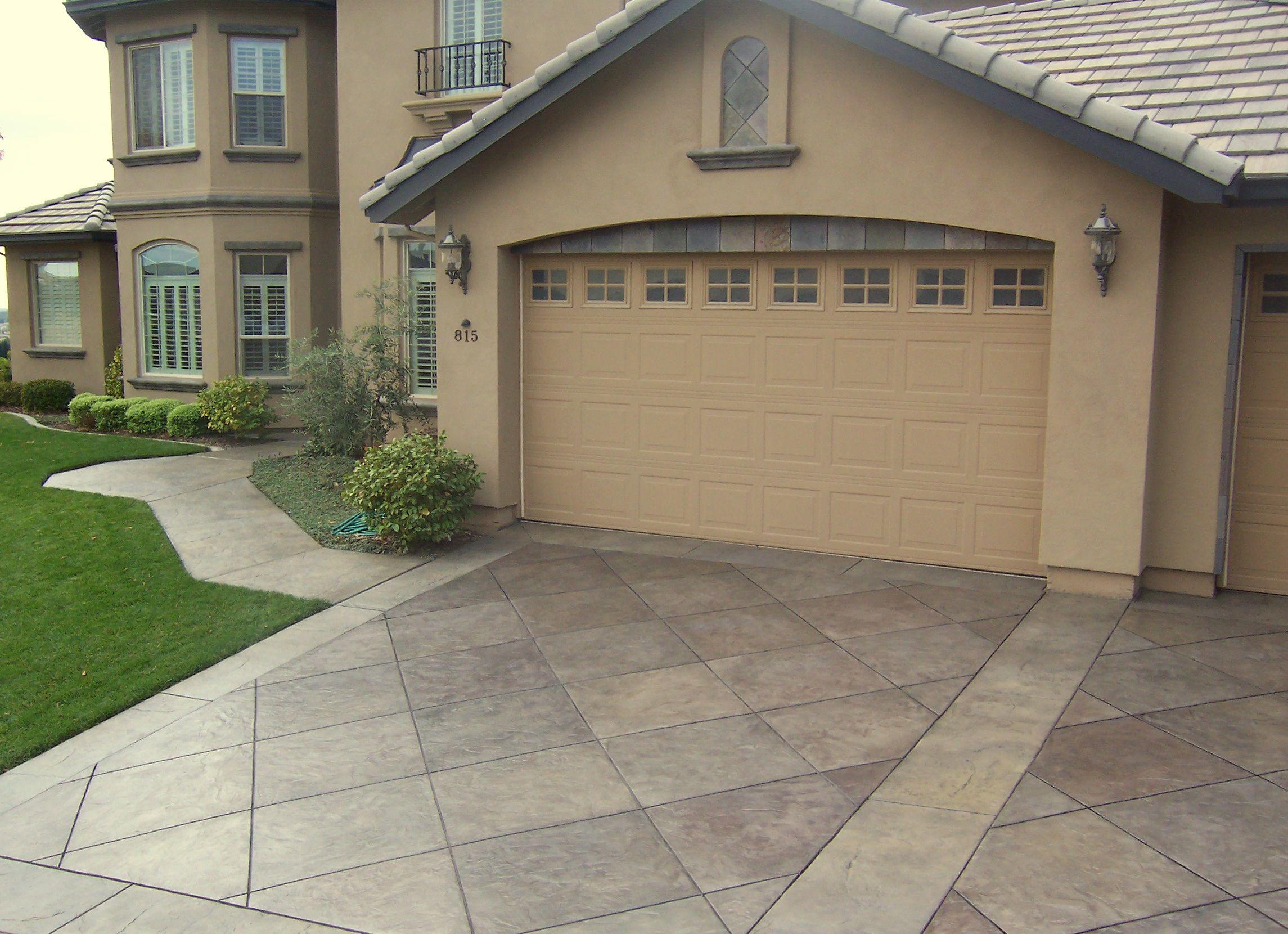 Cement driveway house pinterest pisos cochera y garajes for Pisos decoracion garajes