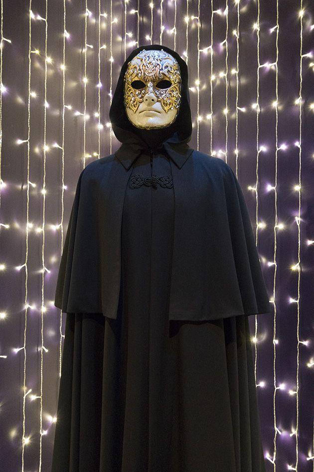 tom cruises costume eyes wide shut movies pinterest