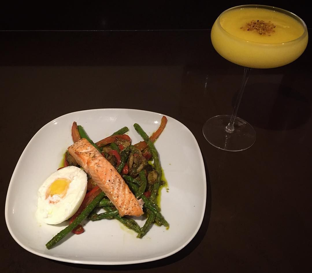 Pineapple and mango frozen treats accompanying salmon poached eggs and basil pesto covered steamed veggies this evening  #restday #healthyfats #dinner #alkaline #bbbrecipes