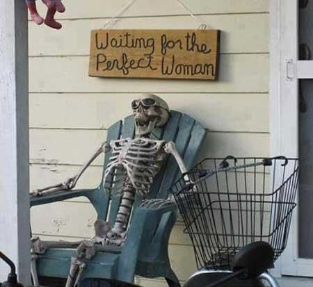 funny picture skeleton waiting for the perfect woman