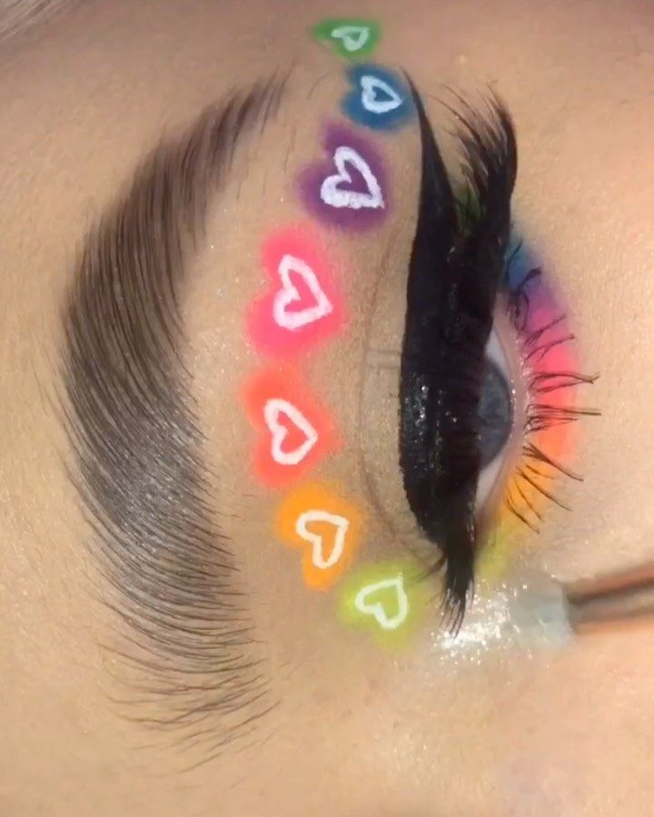 """Photo of Colleen Milner's Instagram profile post: """"follow @colleen.makeupp for more! this was the first neon thing i did ages ago and i never got round to posting it! i think is so cute…"""""""