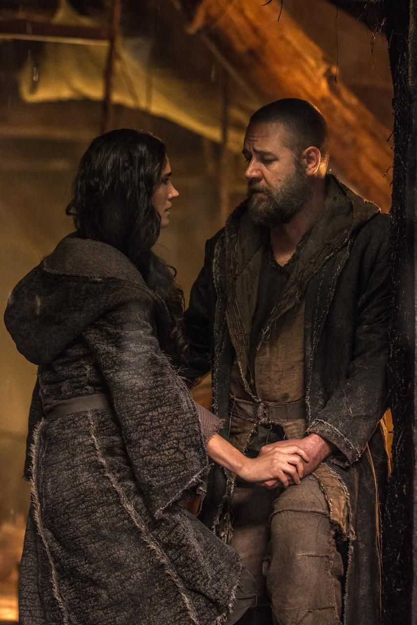 Jennifer Connelly And Russell Crowe In A Still Of Noah 2014 Jennifer Connelly Russell Crowe Jennifer Connelly Young