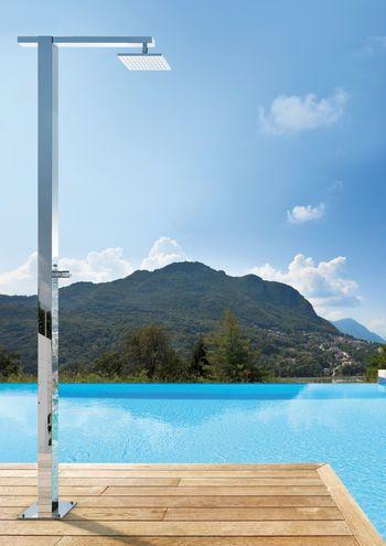 Square Q8 6 T Duschsaule Fur Den Aussenbereich Mit Selbstschliessendem Hahn Und 200x200 Mm Kopfbrause Merkmale Empfohlener Wasser Outdoor Pool Shower Kits