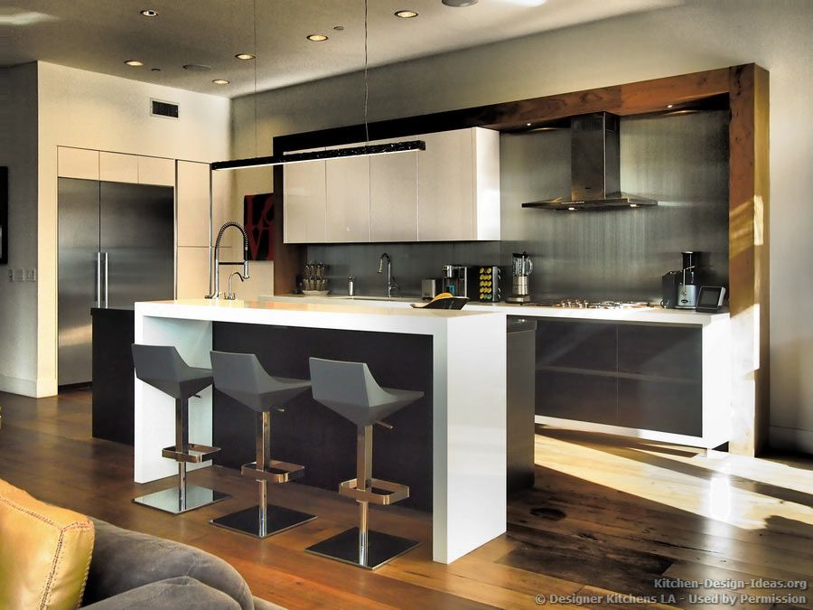 #Kitchen of the Day: Contemporary Black & White Kitchen, Stainless Steel  Backsplash,