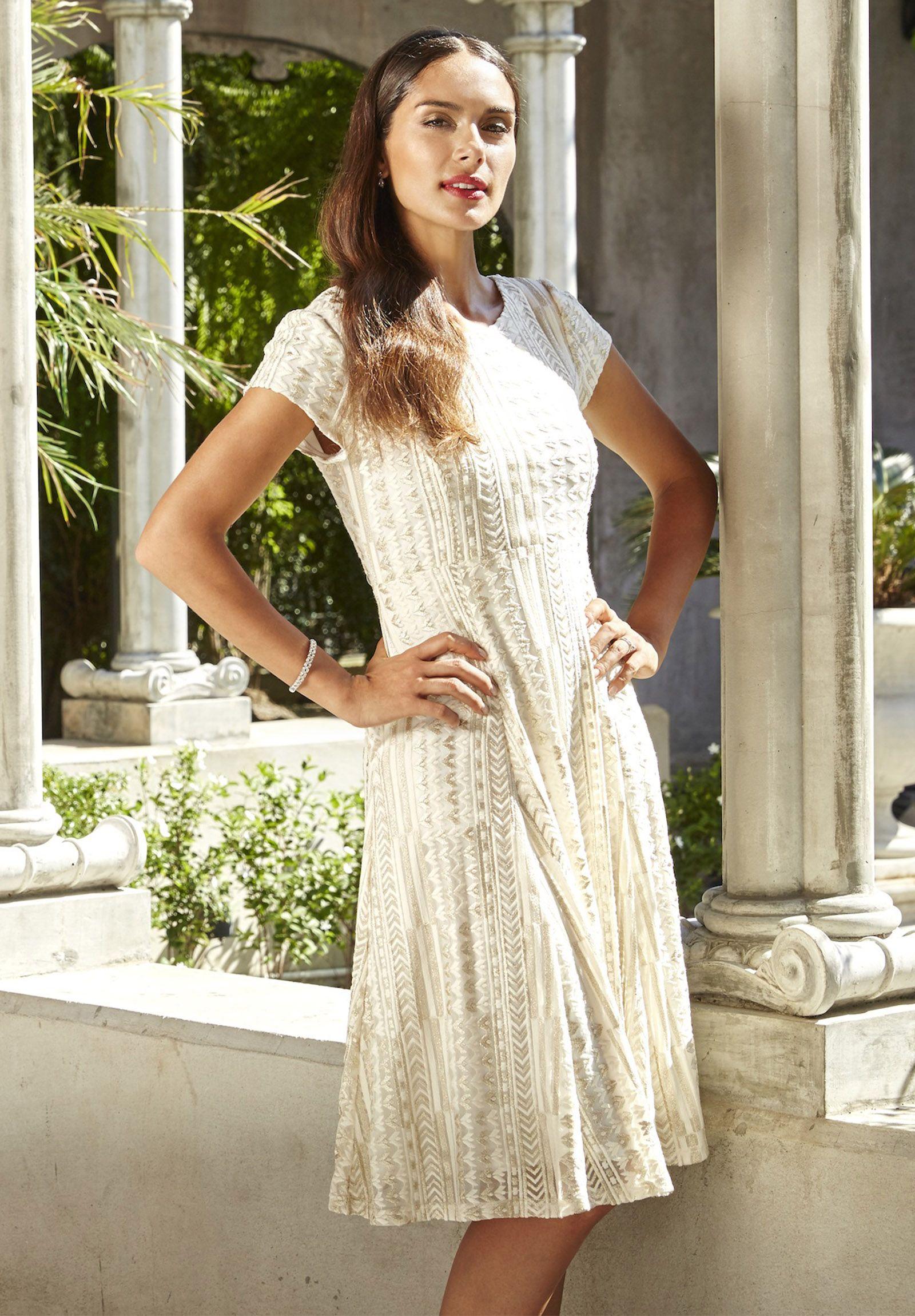 65fb4eb5f09 Georgedé Robe simple mais élégante Georgedé simple but elegant dress ...