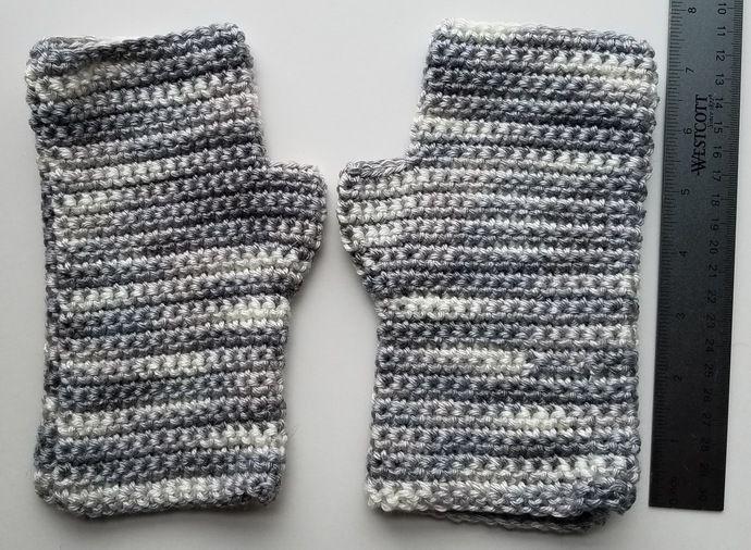 Handmade Variegated Gray Fingerless Gloves