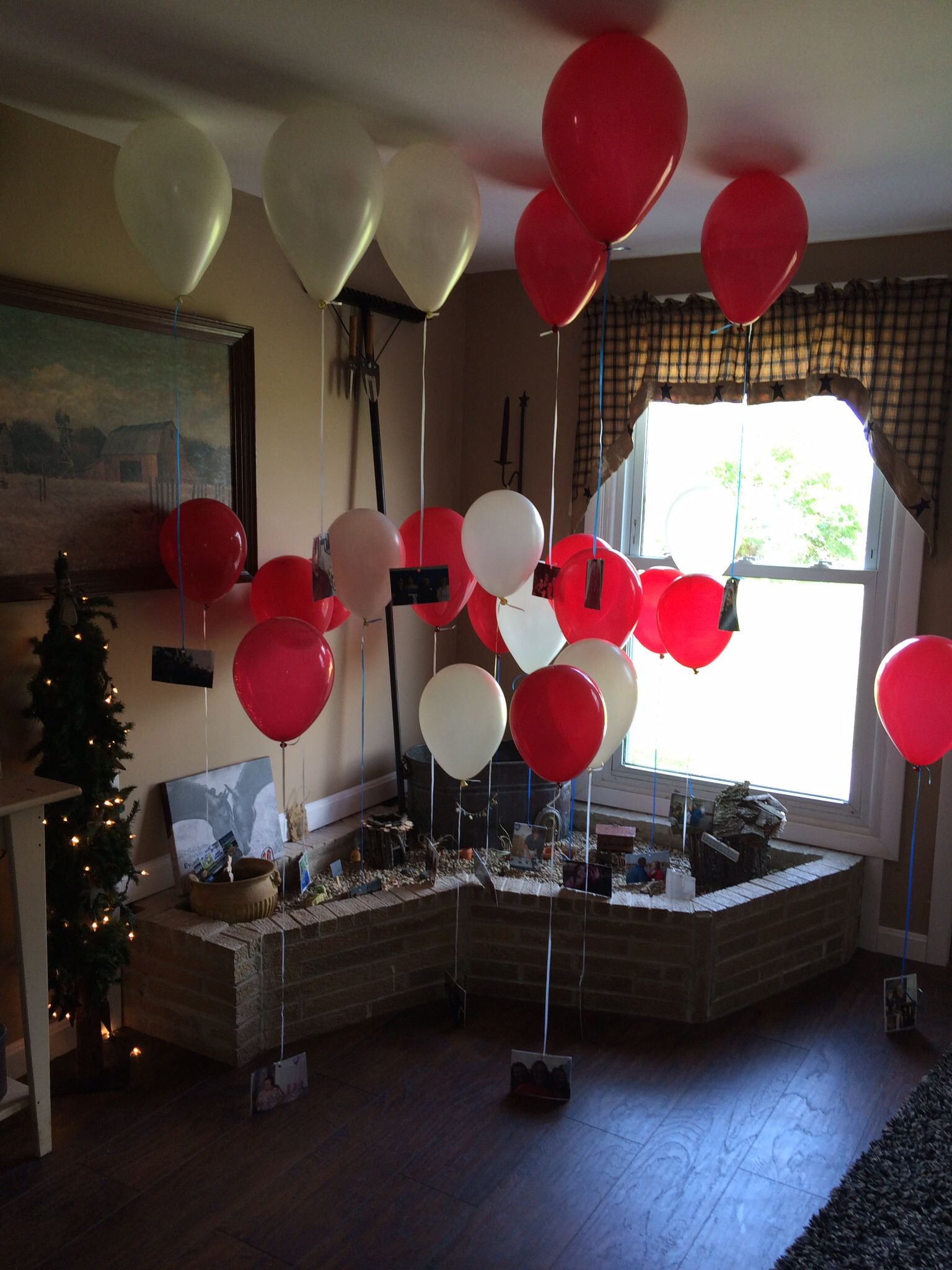 Picture balloons of bride and groom for wedding reception