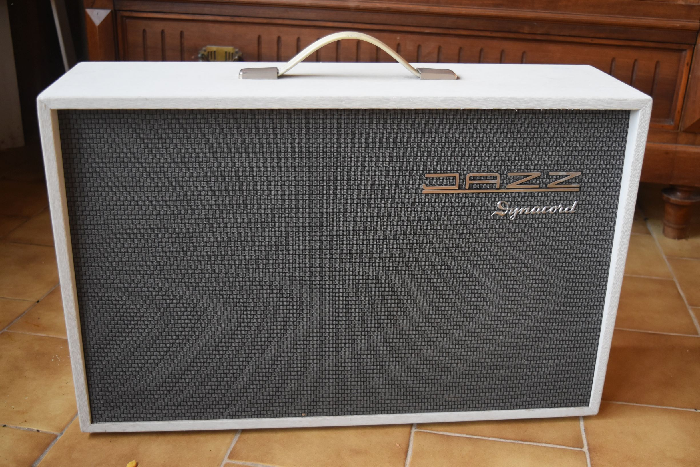 Jazz Dynacord Jazz Audiofanzine Guitar Amp Amp Bass Amps