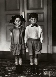 August Sander, Middle Class Children, 1925. = search for the German: Wer sind die Deutschen?