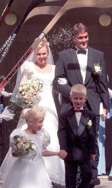 Sirpa ja Teemu Selänne avioituivat vuonna 1996.