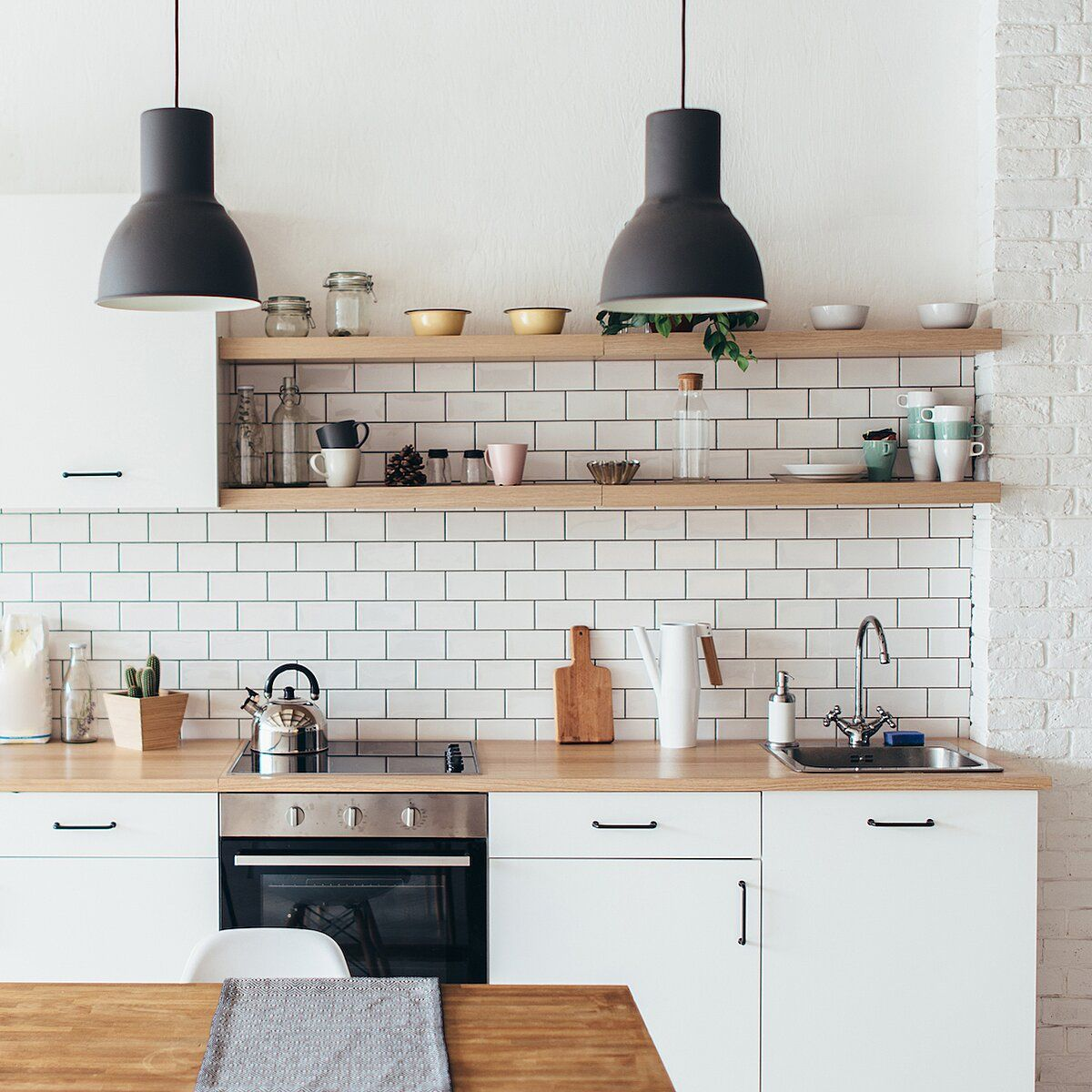 7 Colorful Kitchens That Will Inspire You to Pick Up a ...