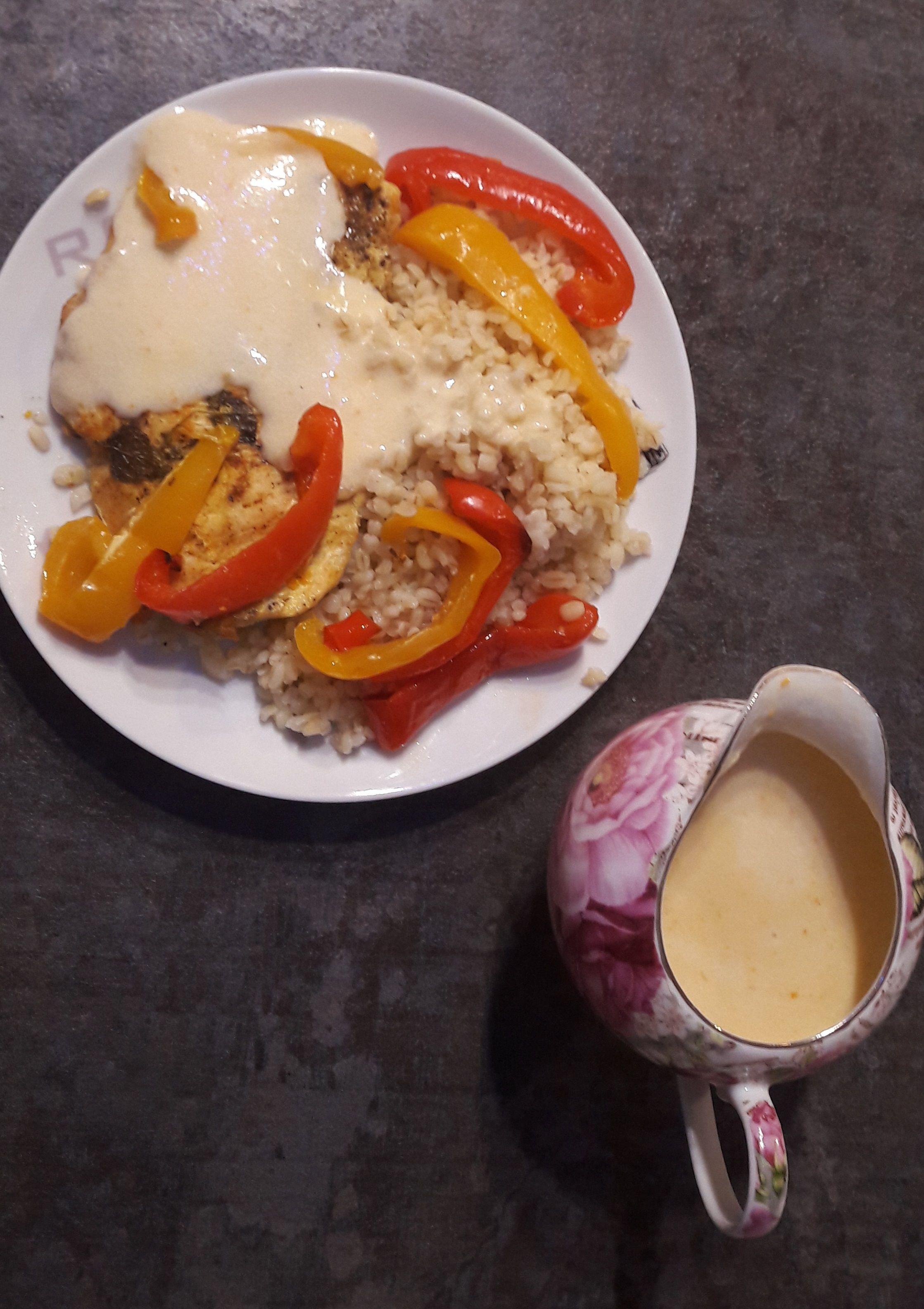 Soczysta pierś z kurczaka o lekko egzotycznym smaku.   #kurczakzwarzywami #drob #drób #chicken #chickenrecipes #chickenbreast #chickendinner #chickentenders #mięso #pieczonemieso #pieczonemięso #dinnertime #pomysłnaobiad #naobiad #pietus #njami #obiady #obiaddomowy #foodmakesmehappy #foodsofig #lovefood #foodtime #eatgood #heartymeal #yumm #kurczak #chicken #chickenbreast #vistiena #vištiena  #chickenrecipes #chickendinner #chickentenders #kurczakzwarzywami #drob #drób #mięso #pieczonemieso