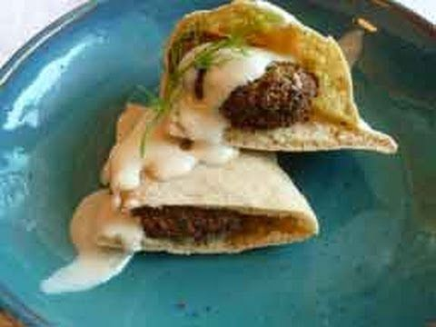 How to make middle eastern falafel recipe by show me the curry chickpea falafel video recipe like the recipe needs fresh herbs forumfinder Images