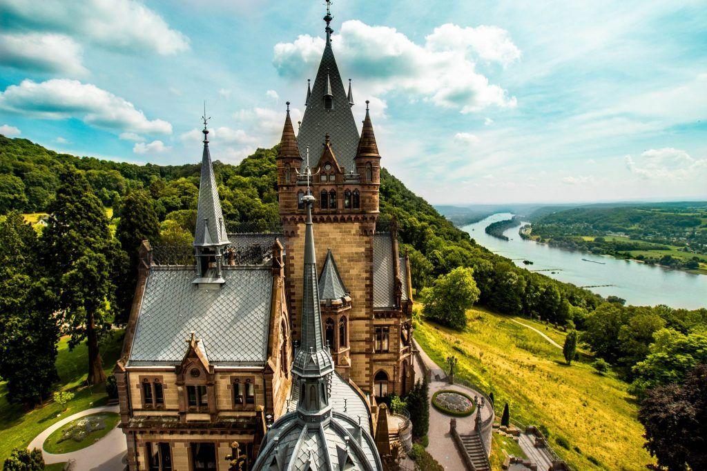 Meine Auswahl Der Schonsten Schlosser Burgen In Deutschland Sophias Welt In 2020 Schloss Drachenburg Burg Deutschland Burgen
