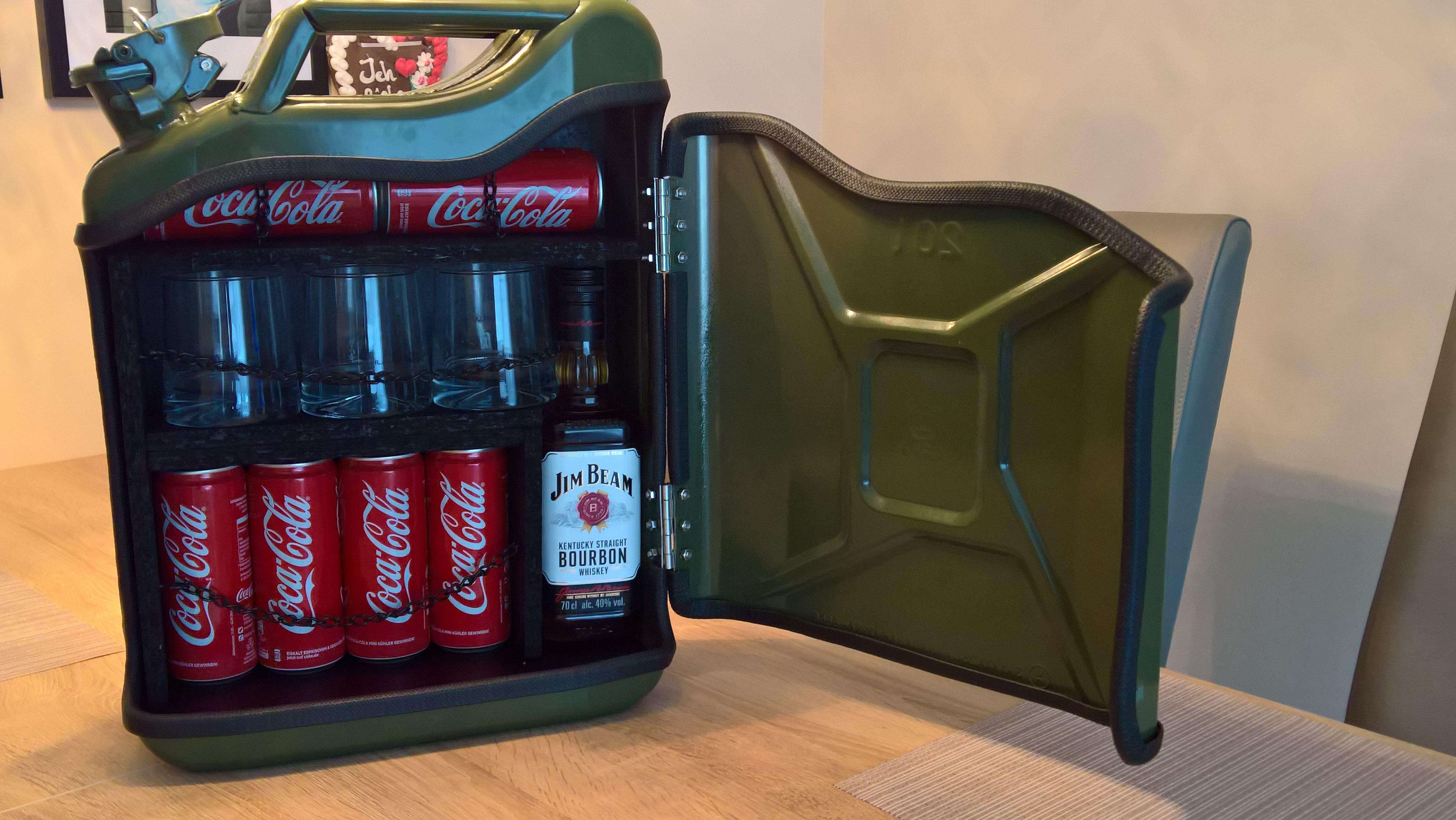 Jerry Can Mini Bar - 20 Liter Benzinkanister   ideas   Pinterest ...