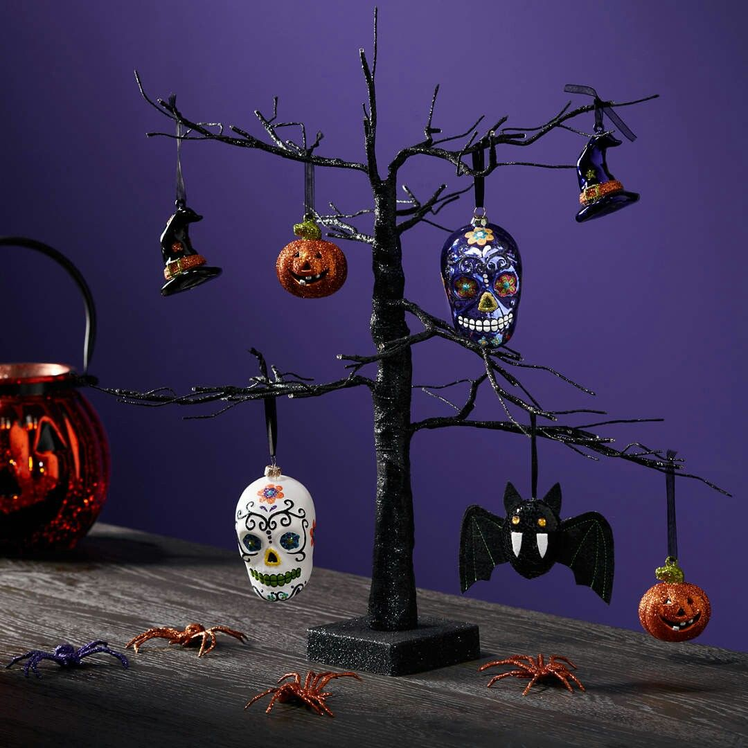 Pin by Vicki Cullen on Halloween! Halloween hanging