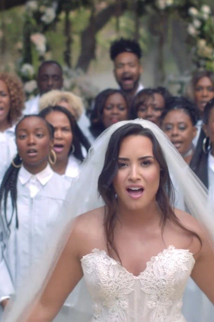This Is Exactly What We Pictured Demi Lovato S Dreamy Wedding Dress Would Look Like Demi Lovato Dress Wedding Dresses Dreamy Wedding Dress