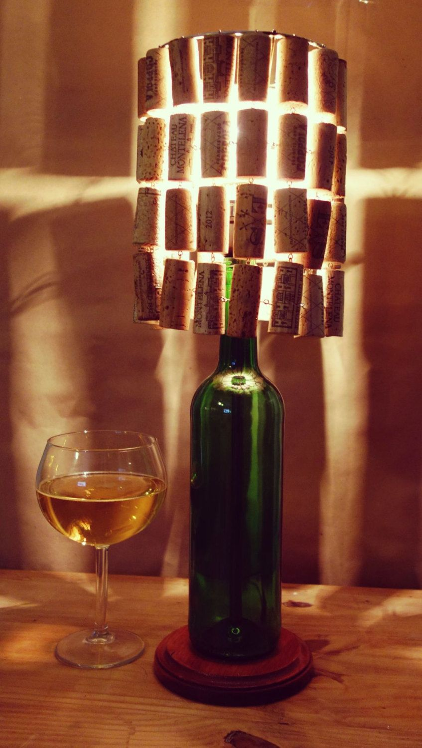 Wine bottle lamp with wine cork lamp shade llantas y acero wine bottle lamp with wine cork lamp shade de licensetocraft en etsy https aloadofball Images