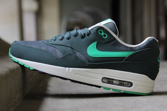 new arrivals d4cb0 305d8 am1green 5 Nike Air Max 1 Camo Pack  July 2013 Preview