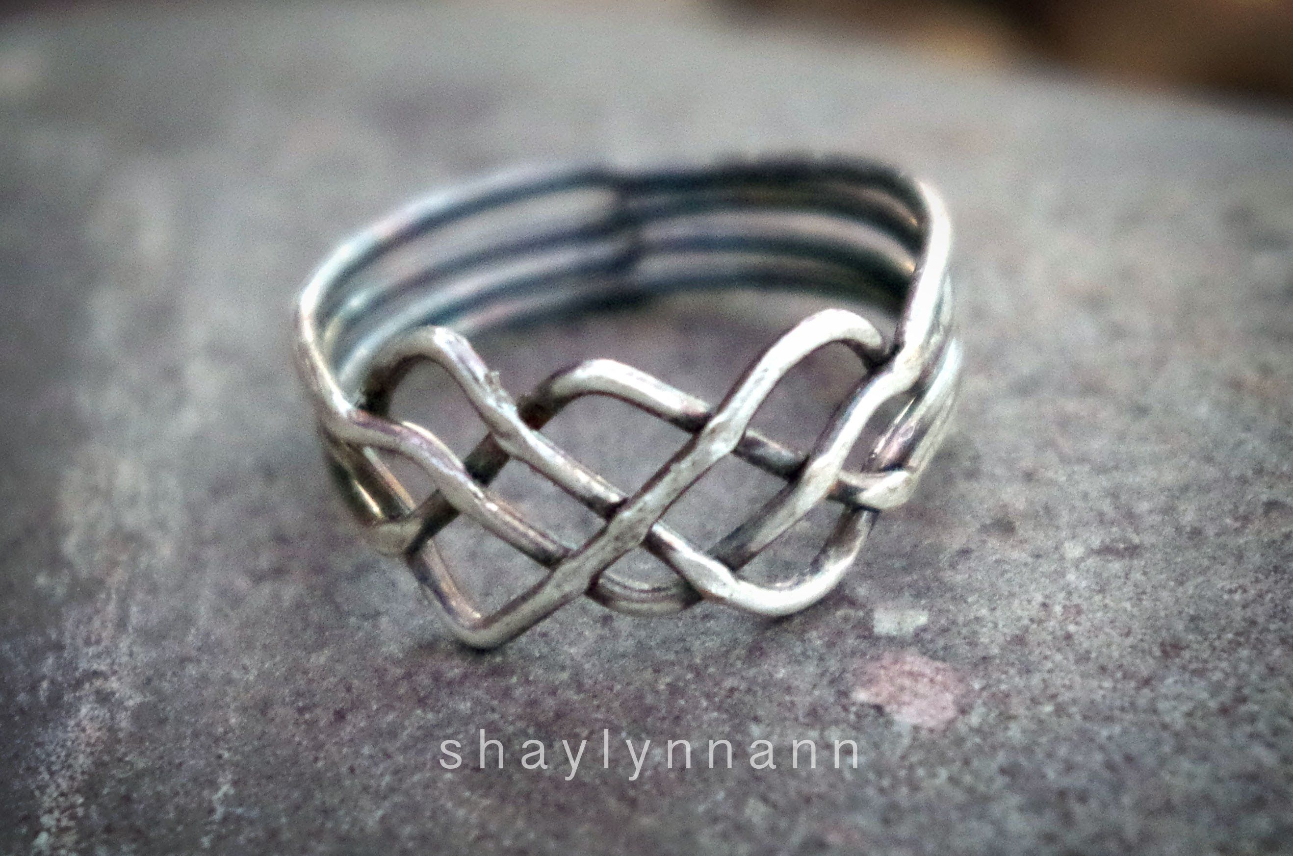 How to Solve a Celtic Knot Puzzle Ring (4 band) | Rings wire ...