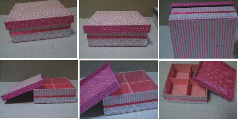 Caixas de MDF encapadas com tecidos com estampas cor de rosa, detalhes em renda e fita de cetim. Divisão interna. Dimensão: 16 cm x 16 cm x 6 cm. Fabric covered boxes. Pink colors.