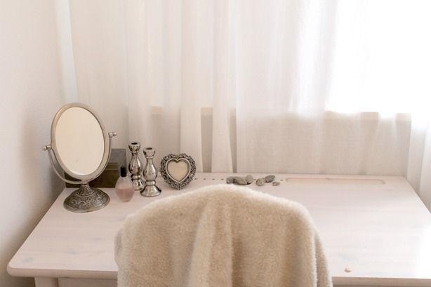 Make Up Stoel : Bureau zacht plaid over de stoel make up spiegel wat decoratie